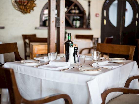Casa Mia Restaurant Le Meridien Dubai